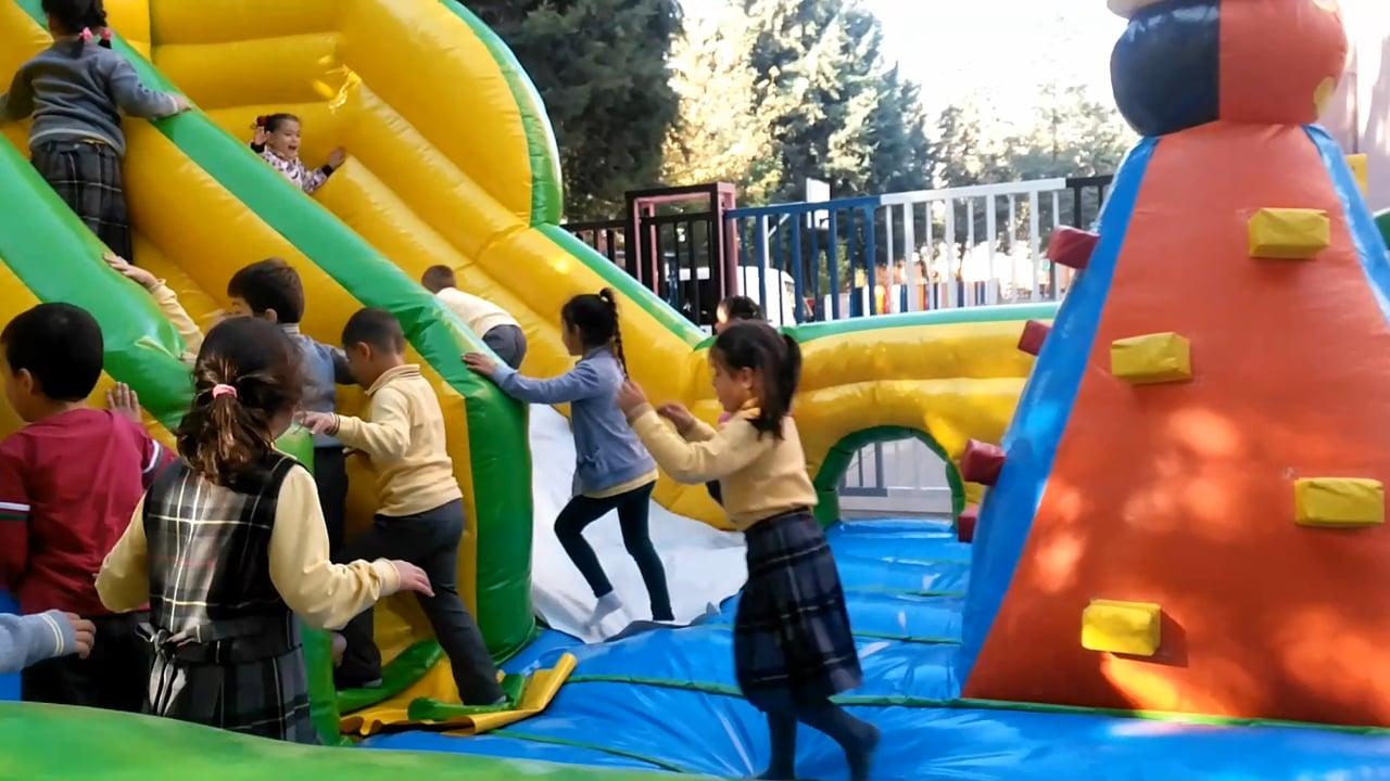 1-A Sınıfı Şişme Oyun Parkında